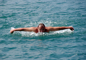 Пловец из Севастополя переплыл Средиземное море от Туниса до Сицилии