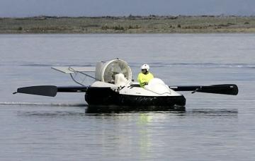 Летающая моторная лодка