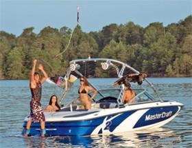 Скоростная лодка для активного отдыха