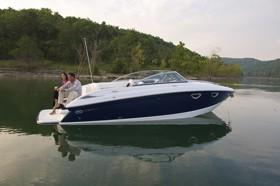 Скоростная лодка Cobalt 243 повышенной комфортности
