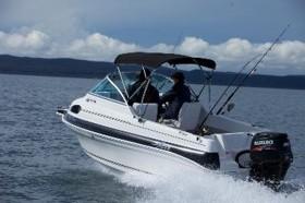 Новая лодка Signature 502DF