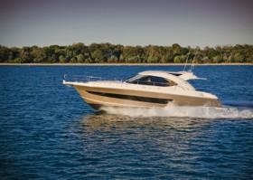 Новая яхта Riviera 4400 Sport Series II