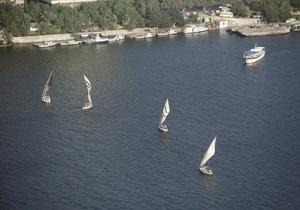 На юге Египта затонул прогулочный катер