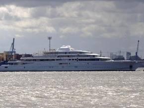 Forbes: Абрамович остался владельцем самой крупной яхты в мире